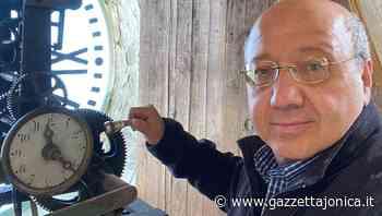 Taormina, per rimettere in funzione l'antico orologio è dovuto intervenire fra Gianfranco di Roccalumera, Attualità - Gazzetta Jonica