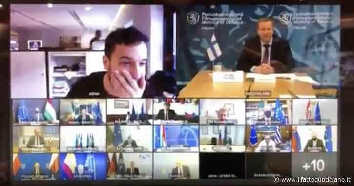 """Hackerata la riunione privata dei ministri della Difesa dell'Unione. Siparietto irresistibile tra il giornalista e il presidente: """"Sa che è un crimine?"""""""