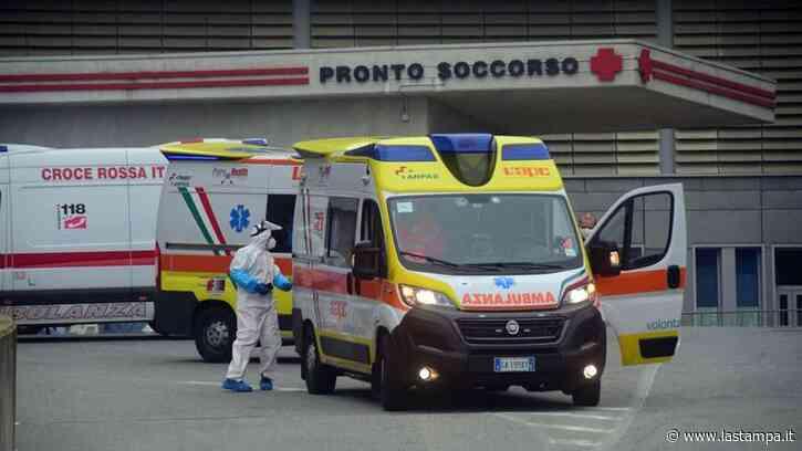 Biella, per sfuggire ai carabinieri ingoia due ovuli di eroina, poi si sente male e corre al pronto soccorso: salvato e denunciato - La Stampa