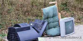 Biella. Maxi multe da 600 euro per due casi di abbandono irregolare di rifiuti - Bit Quotidiano