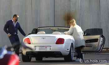 Jennifer Lopez dressed cozy for a convertible drive with Alex Rodriguez - HOLA USA