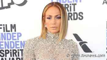 Jennifer Lopez reveals how she combats 'really bad' moments during coronavirus pandemic: 'Sometimes it hurts' - Fox News