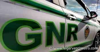 Boliqueime: Homem com dois mandatos de detenção barricou-se em casa durante mais de uma hora - Algarve Primeiro