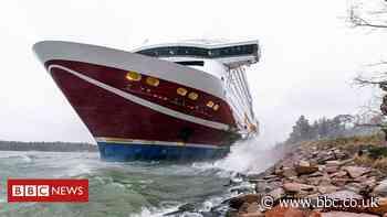 Passenger ferry Viking Grace runs aground off Finland