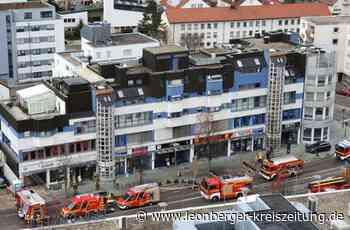 Großeinsatz in Leonberg: Brand in Dehnfuge am Ärztehaus - Leonberg - Leonberger Kreiszeitung