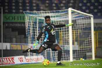 Ligue 1 : Djiku et Kamara absents du groupe de Strasbourg face à Montpellier - L'Équipe.fr