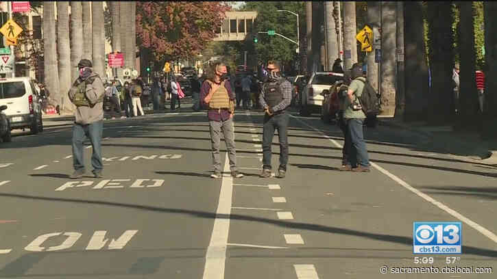 1 Arrested As Trump Supporters, Protesters Gather At State Capitol In Downtown Sacramento