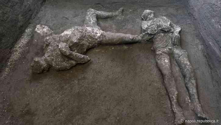 Scoperta a Pompei, ritrovati due corpi intatti - La Repubblica