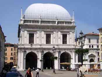 Brescia, Loggia illuminata per i diritti dell'infanzia - La Milano
