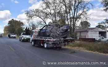 Cae auto en canal de aguas negras en la Irapuato - Pueblo Nuevo - El Sol de Salamanca