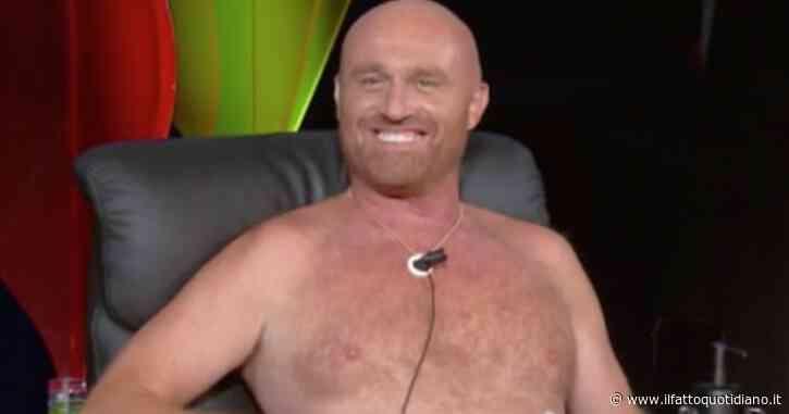 """Tu Si Que Vales, Rudy Zerbi vittima di un sensitivo rimane nudo e confessa: """"Non porto le mutande sotto"""""""