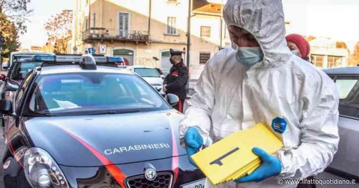Uomo di 56 anni accoltella moglie e suocera nell'appartamento a Milano. Tenta il suicidio, poi chiama il 118. Gravissime le due donne