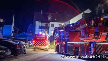 Trostberg: Feuerwehreinsatz wegen Balkonbrand in Wohnhaus - innsalzach24.de