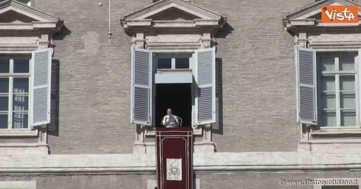 """Coronavirus, Papa Francesco: """"Oggi molte famiglie sono in difficoltà, senza lavoro. Ma sentono vergogna e non lo fanno sapere"""""""