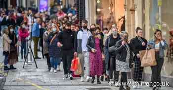 City rammed as shoppers queue for Christmas goods after Welsh firebreak lockdown