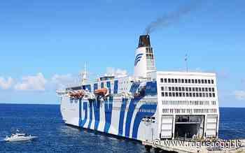Da Augusta a Pozzallo arriva la nave Azzurra con 223 migranti a bordo. Quarantena finita - RagusaOggi
