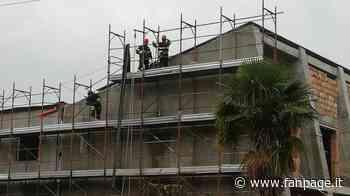 Vibo Valentia, due operai morti folgorati: lavoravano nel palazzo comunale di Filogaso - Fanpage.it