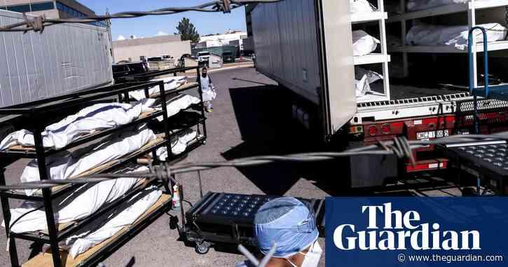 El Paso inmates help move bodies into morgues as Covid deaths soar