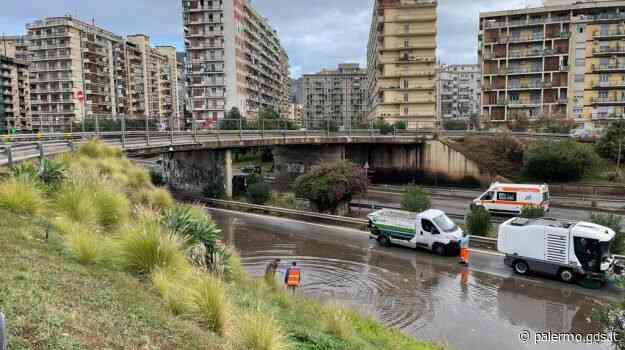 Maltempo a Palermo, allagamenti in viale Regione Sicilia: operai al lavoro - Giornale di Sicilia