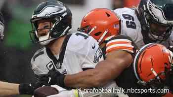 Eagles didn't consider benching Carson Wentz