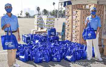 Los Angeles Dodgers Foundation, Smart & Final Host 16th Annual Turkey Giveaway - DodgerBlue.com