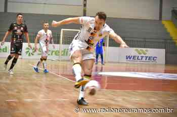 Blumenau Futsal vence Curitibanos e assume vice liderança do estadual - Radio Nereu Ramos