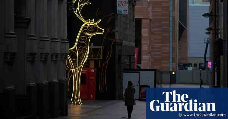 Christmas in lockdown preferred by UK public over new restrictions in January