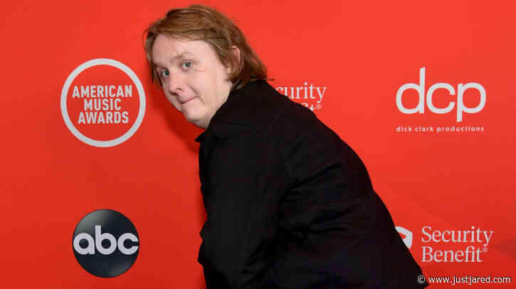 Lewis Capaldi Hams It Up on American Music Awards 2020 Red Carpet with Funny Poses!