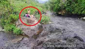 A salvo bañistas atrapados por el río Apulo en La Mesa, Cundinamarca - Noticias Día a Día