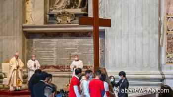Amid travel break, pope cheers Lisbon youth jamboree plans