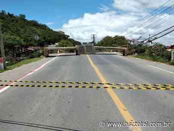 Ponte sobre o Rio Itajuba é interditada em Barra Velha após determinação da Justiça   NSC Total - NSC Total