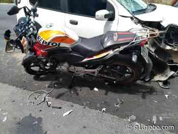 Colisão entre carro e moto deixa uma pessoa ferida em Porto Calvo, AL - G1