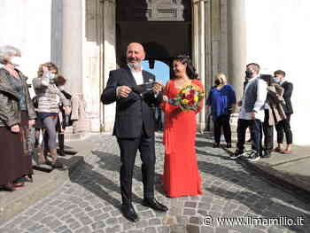 Ariccia, matrimonio a Palazzo Chigi. Una bella immagine in una tiepida domenica autunnale - ilmamilio.it - L'informazione dei Castelli romani