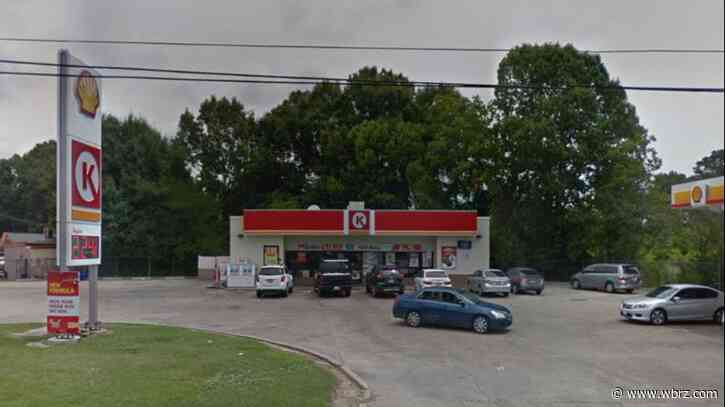 Arsonist sets Circle K gas pump on fire early Monday morning