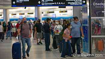 Weekend air travel hits pandemic-era record, despite health officials' pleas to stay home