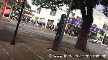 Fila para vaga em escola de Lagoa da Prata gera revolta na população - Jornal Cidade