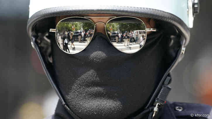 Rules about police wearing masks vary widely across US