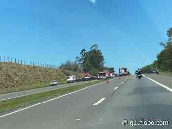 Acidente com quatro veículos deixa feridos em rodovia entre Bauru e Pederneiras - G1