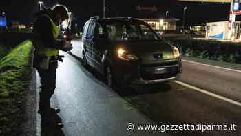 Auto travolge due pedoni: fuori pericolo la 63enne investita - Gazzetta di Parma