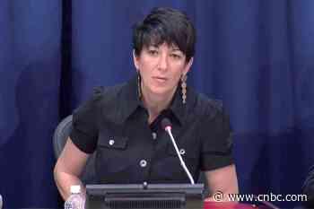 Alleged Jeffrey Epstein procurer Ghislaine Maxwell in jail quarantine after possible coronavirus exposure - CNBC