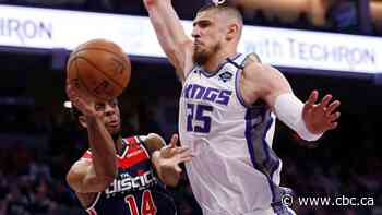 Raptors sign Alex Len to help fill void created by Ibaka, Gasol departures