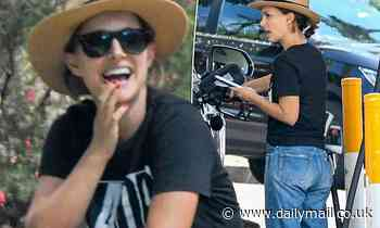 Natalie Portman looks casually cool as she fuels up her car in Sydney's Bondi