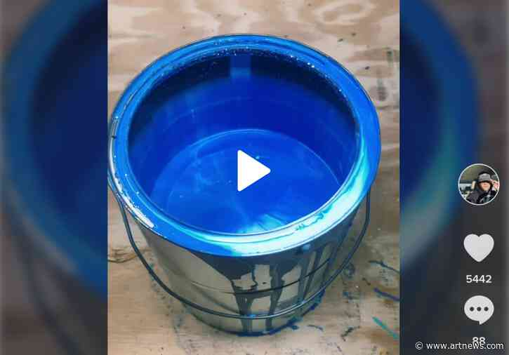 Paint Mixing TikTok Videos: A Jacuzzi for the Eyes