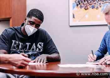 Orlando Magic Sign Free Agent Dwayne Bacon