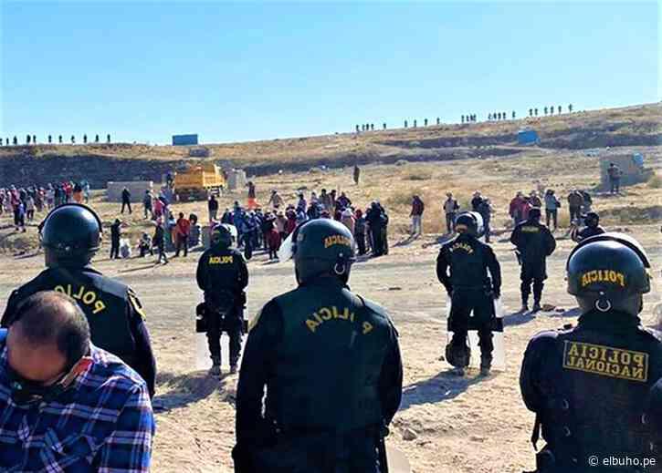 Arequipa: Contingente policial desaloja invasores de terrenos en Yura - El Búho.pe