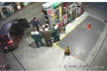Suspeito de assaltar posto de gasolina no bairro Aparecida é preso no aglomerado da Serra - Rádio Itatiaia