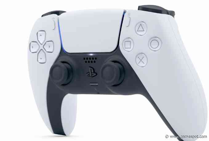 """Xbox Boss Praises PS5 DualSense Controller - """"I Applaud What They Did"""""""