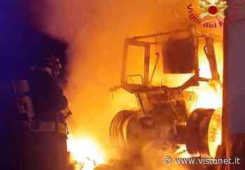 Trattore in fiamme a Siniscola, non si esclude dolo   Ogliastra - vistanet