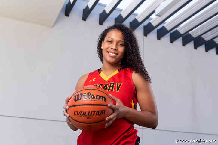 Ex-Rosary basketball star Asia Avinger, now at San Diego State, suffers knee injury