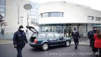 Livestream: Polizei Berlin äußert sich zu Zwischenfall vor dem Kanzleramt